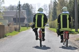 Des pompiers... à moto !