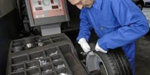 Montage, l'équilibrage et géométrie des pneus