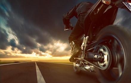 Assurance moto : Le premier boitier pour payer selon sa conduite