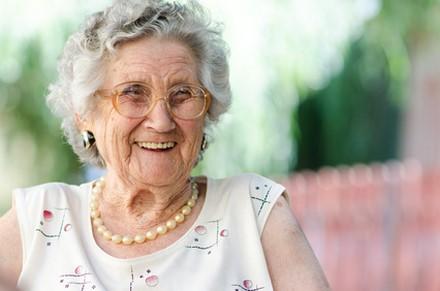 Une mutuelle agit en faveur de la lutte contre l'isolement des personnes âgées