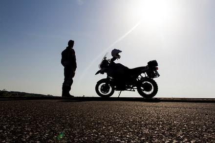 Comment se charger en moto pour l'été ?
