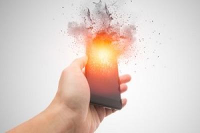 Charger son portable la nuit peut aboutir à un incendie !